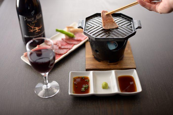 名古屋市東区・新栄にある居酒屋「お肉とスイーツのお店 Wacca(わっか)」。A5ランクの飛騨牛を使ったステーキや焼肉が人気!