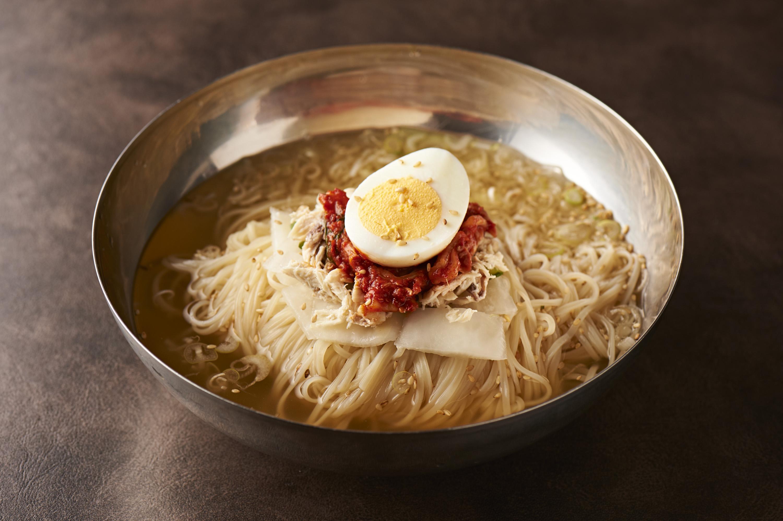 東京・巣鴨にある地域密着の焼肉店「焼肉とく大和郷」で、こだわりの肉と冷麺を味わう!