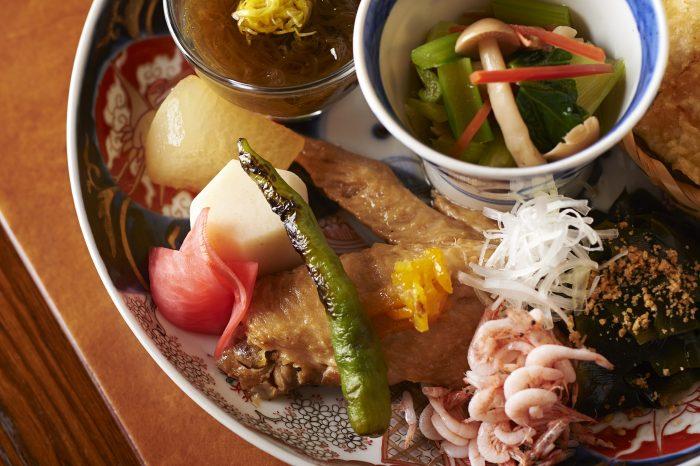 東京・東小金井にある居酒屋「一心」で、大人気の天丼を食す!