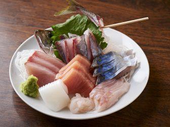 富山市にある安くて旨い!コスパ抜群の居酒屋「居酒屋 さんじゅうまる」で富山の味を楽しむ