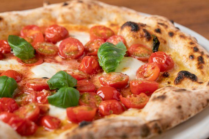 大阪市・中崎町駅の近くにある「ピッツェリア ダ チロ」さんのクチコミレポート。こだわりのピザが人気のイタリアン