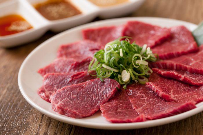 大阪、天神橋筋六丁目で人気の「黒毛和牛 焼肉みかく屋」で味わう厳選された上質なお肉!