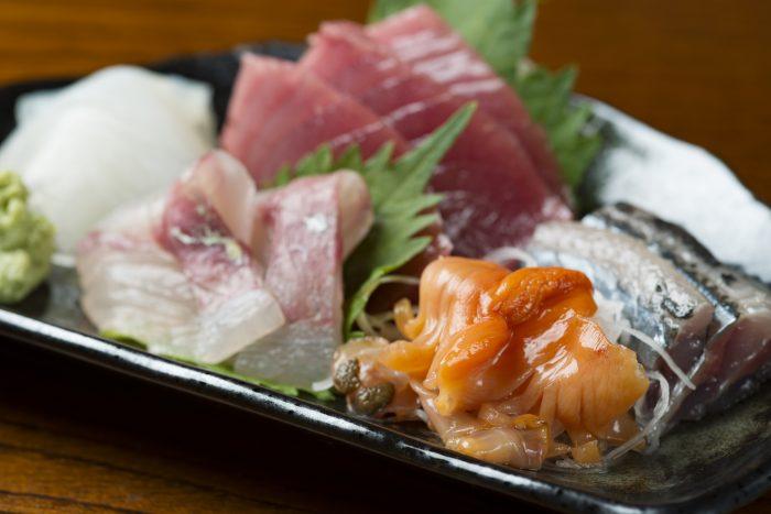 仙台市・国分町の近くにある「お料理 悠鶴(ゆうづる)」さんのクチコミレポート。旬の魚が美味しいと人気の居酒屋!