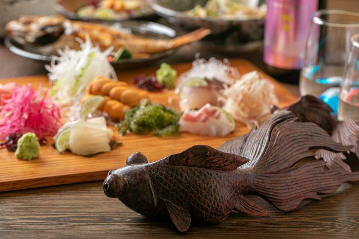 兵庫、高砂の常連で賑わう隠れ家和食居酒屋「肴料理 きんぎょ」で味わうこだわりの魚介と銘酒!