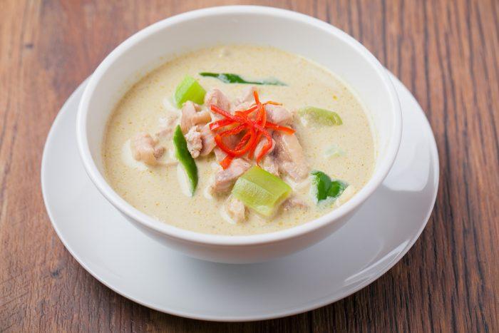 大阪・十三で味わう本格タイ料理「Two Chefs」を口コミレポート!気軽に本場の味が楽しめる!