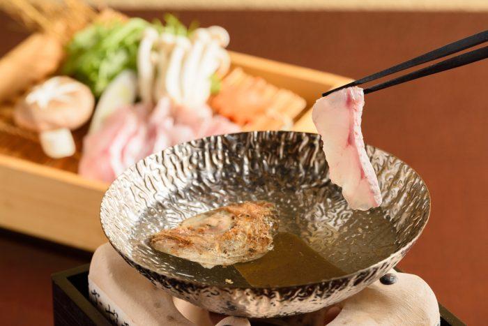 松江市内・松江駅近くにある「諸国お勝手料理 根っこ(しょこくおかってりょうり ねっこ)」さんのクチコミレポート。島根の名物がウマい居酒屋