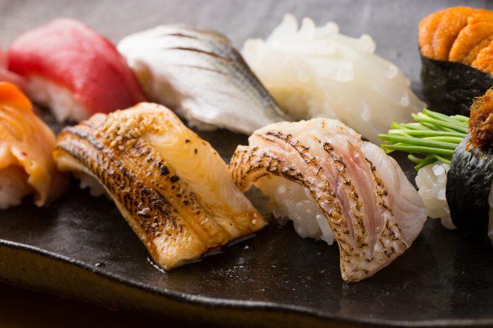 福岡市博多区・中洲川端駅周辺にある「博多 太兵衛鮨(はかた たへえずし)」さんのクチコミレポート。握り以外にも珍味が美味しいお寿司屋