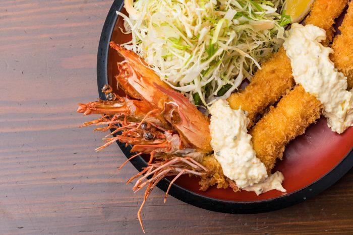 京都・福知山市の福知山駅周辺にある「お食事処 梁山泊 たらふく」さんのクチコミレポート。ボリューム満点の和食が人気のお店