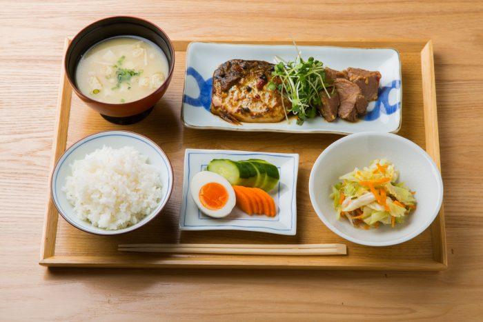 福岡市、大手門の食堂「HAKKO食堂(ハッコウショクドウ)」。テイクアウト、通販が人気!