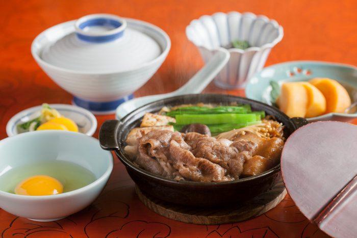 大阪・本町で記念日に人気のすき焼きの老舗「江戸菊」を口コミレポート!