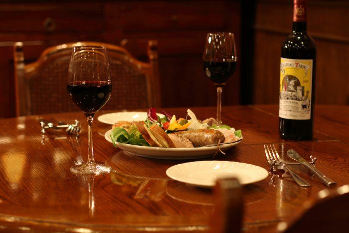 豊田市駅周辺で記念日や誕生日のディナーデート、接待ならここ!ダイニングバー「Dining Cellar 1109 (ダイニングセラー イチイチゼロキュー)」。