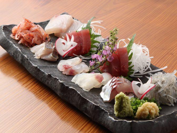 接待や宴会から一人飲みまでできちゃう!藤枝駅周辺の和食居酒屋「和楽 たすく(わらく たすく)」。