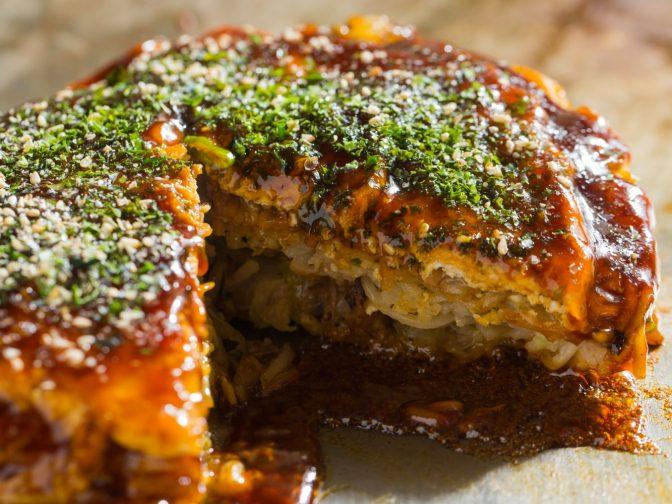 福岡にいながら広島の味を楽しむ!福岡のお好み焼き「今生焼(こんじょうやき)」。