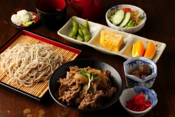 新橋駅でランチや〆飯に人気のそば居酒屋 健美そばさんの口コミレポート