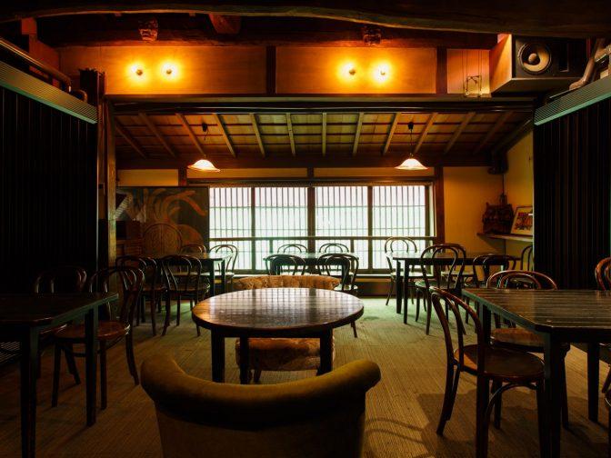レトロでおしゃれなデートディナーならここ!福岡市東区・箱崎の居酒屋 天井桟敷(てんじょうさじき)。