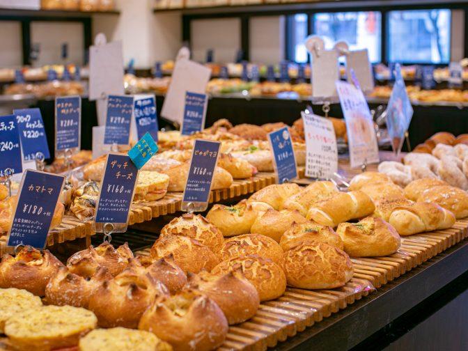 大阪市内・横堤駅周辺にあるパン屋「Bakery Dank Brot(ベーカリーダンクブロート)鶴見本店」さんと尼崎市内・尼崎駅周辺にある「Bakery Dank Brot(ベーカリーダンクブロート)尼崎店」さんのクチコミレポート。朝食やランチにおすすめ!